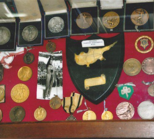 Η συλλογή του μουσείου περιλαμβάνει και υλικό από την Κύπρο.